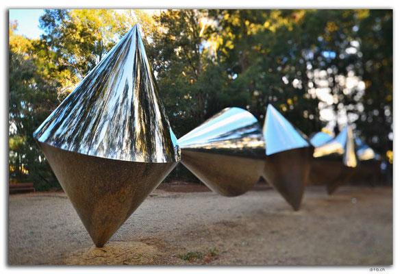 AU1507.Canberra.NGA.Sculpture Garden.Herbert Flugelman