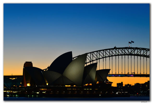 AU1636.Sydney.Opera House & Harbour Bridge