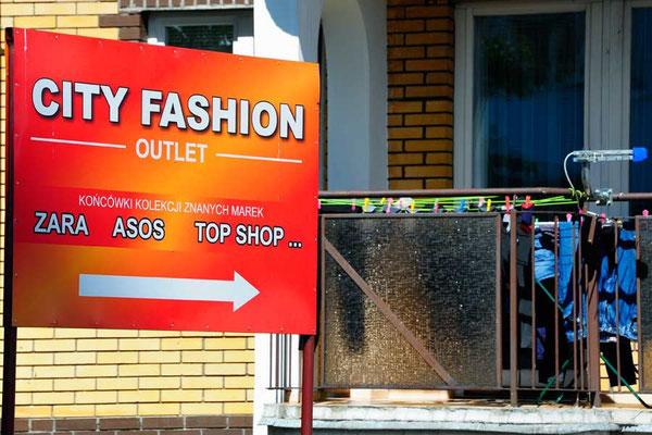 Polen.Bialystok2. Die neue Fashion hängt am Trockenständer