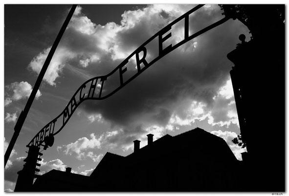 PL004.Auschwitz.Tor