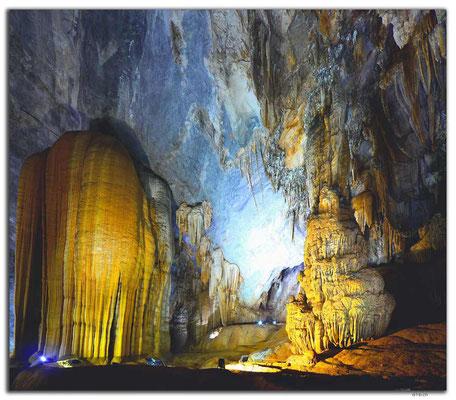VN0095.Phong Nha.Paradise Cave