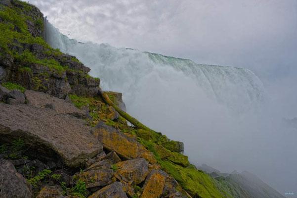 CA0428 Niagara Falls