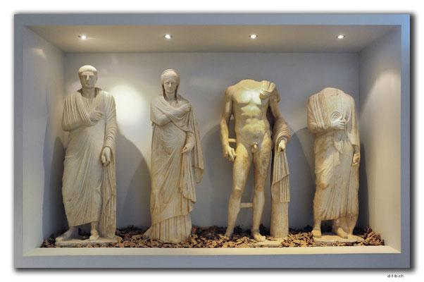 GR0073.Kilkis.Statuen aus Palatiano