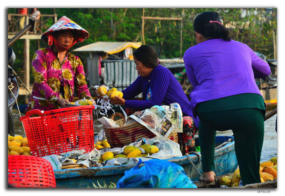 VN0367.Phong Dien.Floating Market