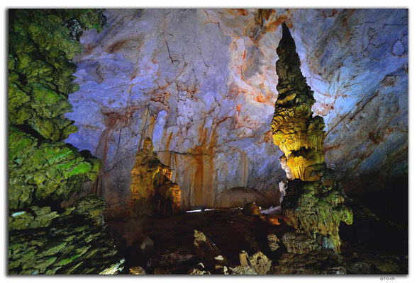 VN0100.Phong Nha.Paradise Cave