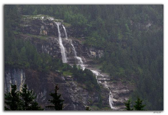GW0115.Temporärer Wasserfall am Eiger