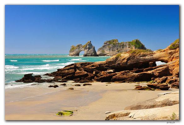 NZ0625.Wharariki Beach.Archway Islands