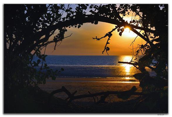 AU0062.Darwin.Mindil Beach