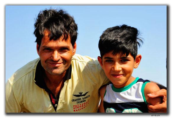 IR0354.Iranischer Pappa
