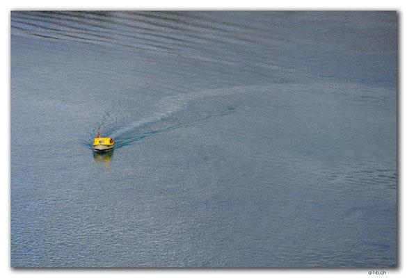 AU1465.Lakes Entrance.Boat