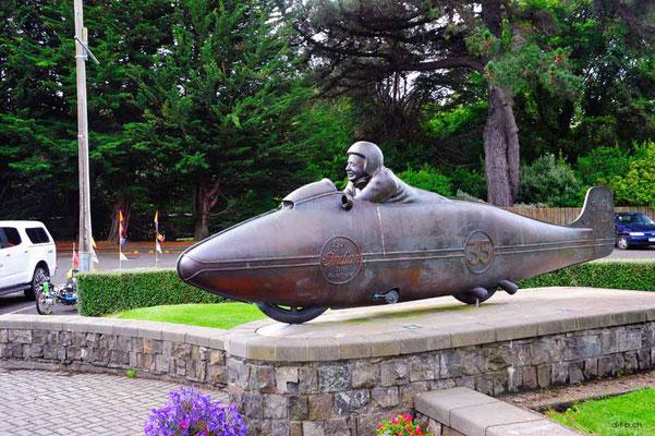 NZ: Solatrike in Invercargill bei Burt Munroe Statue