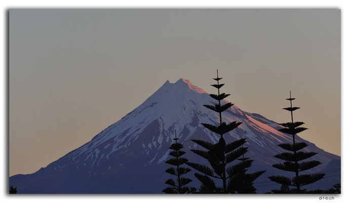 NZ0372.New Plymouth.Mt.Taranaki