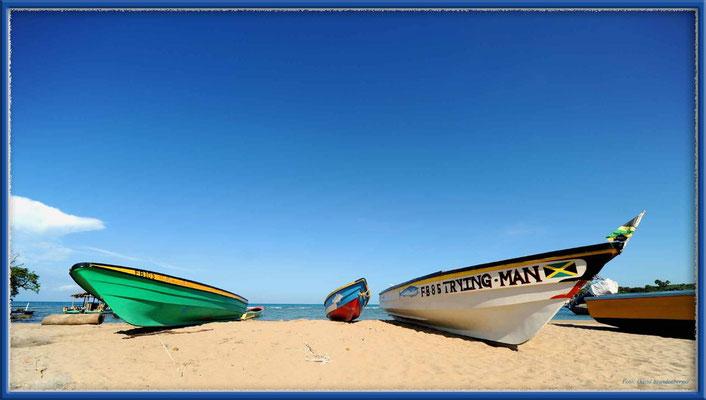 JM088.Boote Treasure Beach
