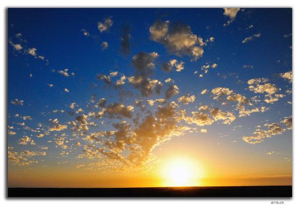 AU0932.Sunset in Nullarbor