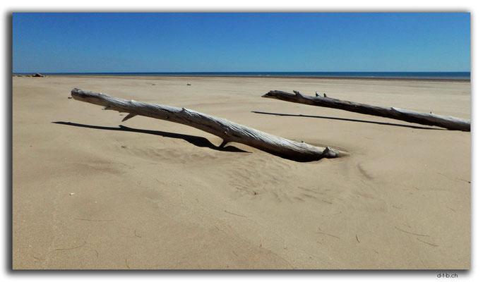 AU0059.Darwin.Casuarina Beach