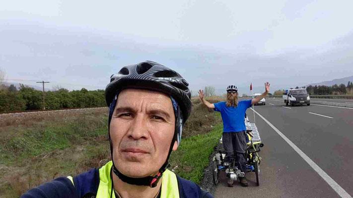 TR: unterwegs (Photo: Bahri)