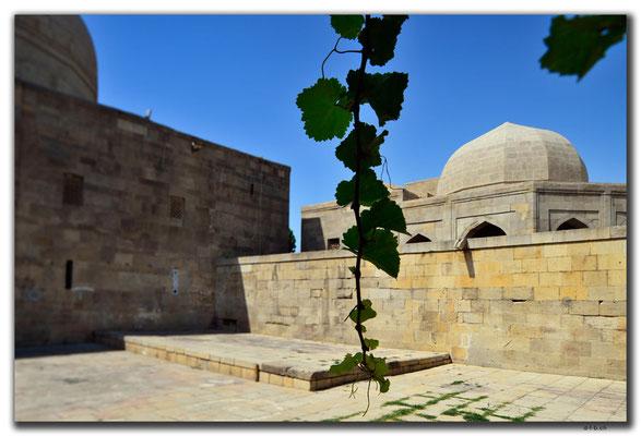 AZ041.Baku.Shirvanshahs Palace