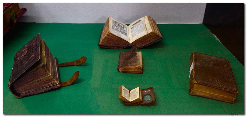 GE041.Kutaisi.Hist.Museum.Miniaturbücher