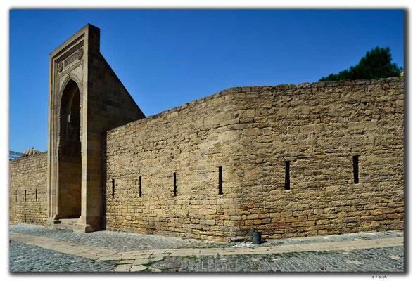 AZ040.Baku.Shirvanshahs Palace