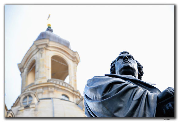 DE313.Dresden.Frauenkirche.Lutherdenkmal
