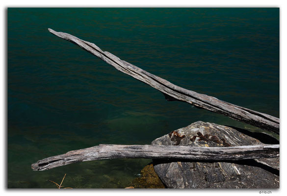 NZ0825.Clutha River