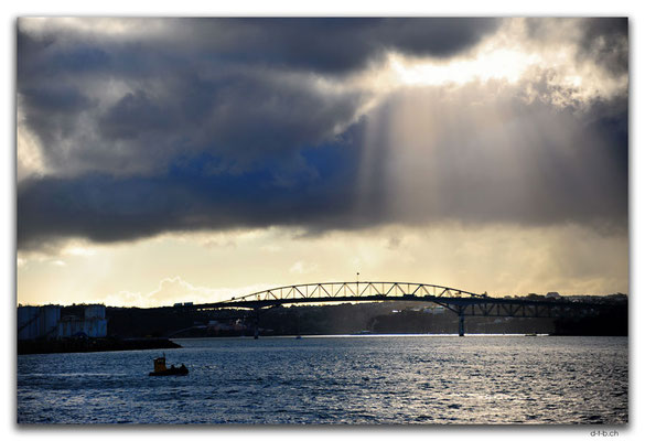 NZ0004.Auckland Harbour Bridge
