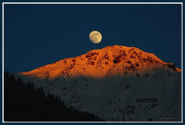 A0607.Mond über Älpeltispitz.Klosters.CH