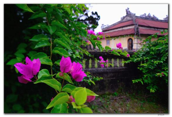 VN0175.Hue.Citadel.Thai To Mieu Temple Complex