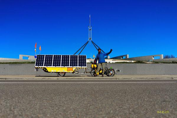 AU: Solatrike in Canberra. Parliament