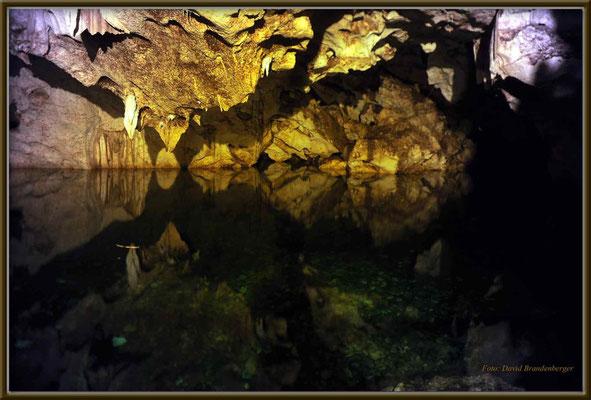 JM033.Green Grotto Cave