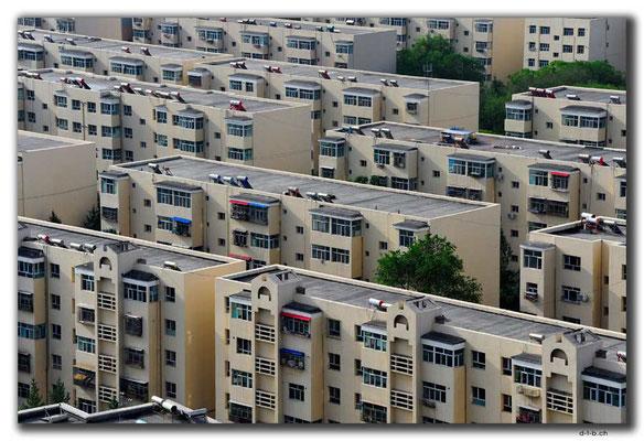 CN0023.Häuser in Changji