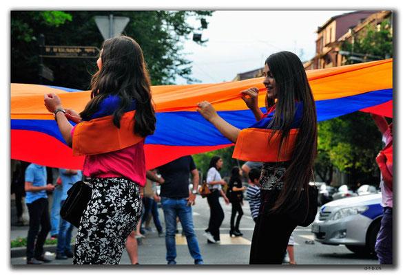 AM015.Yerevan.Feiertagskundgebung