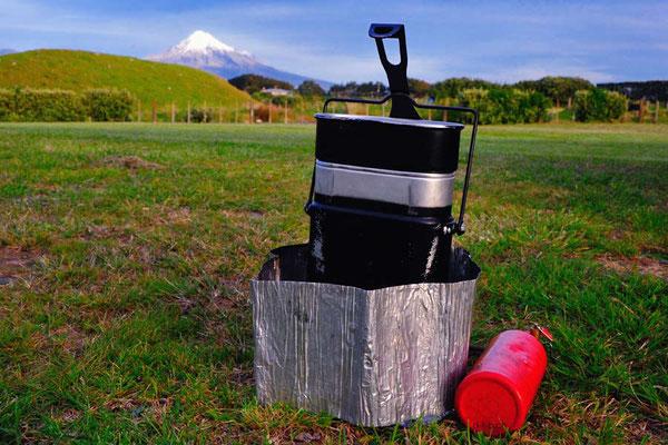 NZ: Abendessen kochen mit Aussicht zum Mt.Taranaki