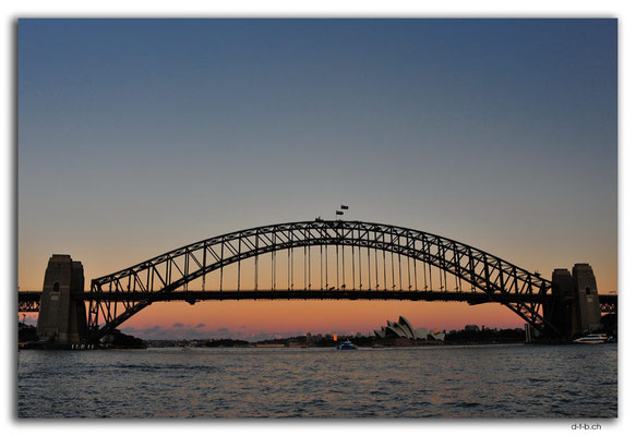 AU1658.Sydney.Opera House & Harbour Bridge.McMahons Point