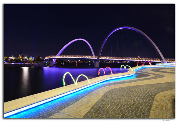 AU0732.Perth.Elizabeth Quay Bridge