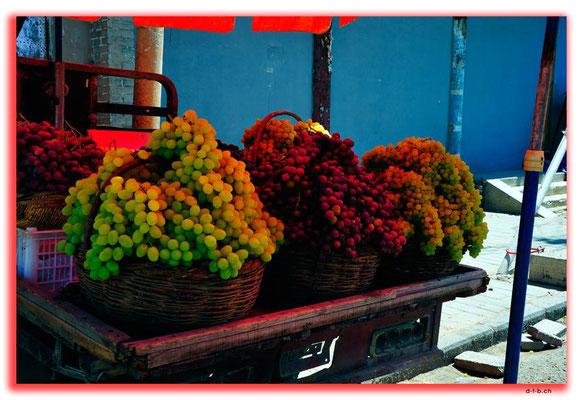 CN0345.Xuanhua.Trauben zu verkaufen
