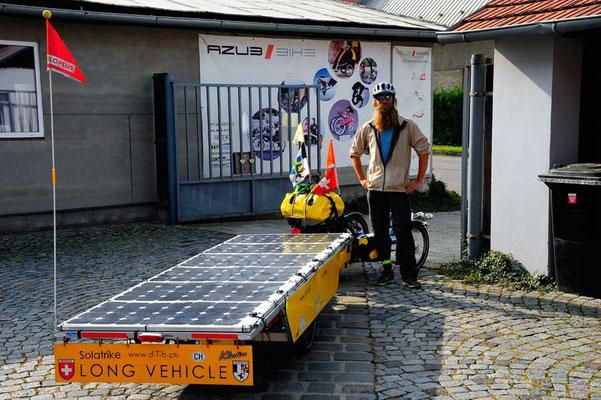 CZ: Solatrike in Uhreský Brod, Start bei AZUB Bikes