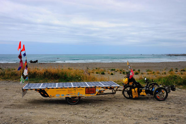 NZ: Solatrike im Okiwi Bay