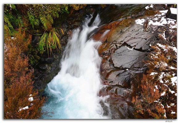 NZ0304.Tongariro N.P.Punaruku Falls