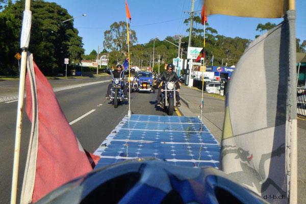 AU: Solatrike in Wollongong mit Biker