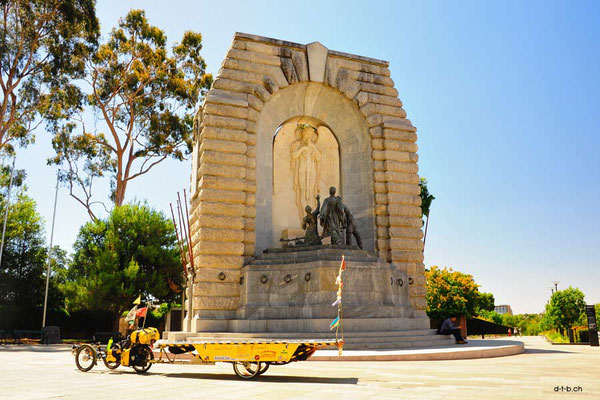 AU: Solatrike in Adelaide at War Memorial