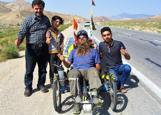 IR: Solatrike mit iranischer Familie