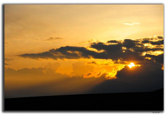 CN0006.Sonnenuntergang am Sayram See