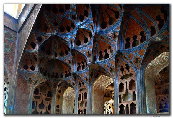 IR0091.Isfahan.Ali Qapu Palace.Musikzimmer