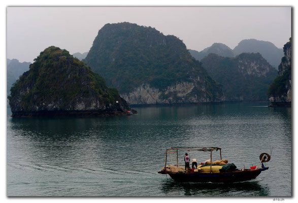 VN0008.Ha Long Bay, Fischer