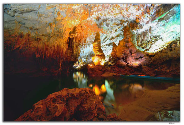 VN0110.Phong Nha Cave