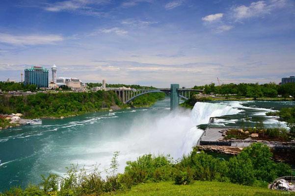 CA0433 Niagara Falls