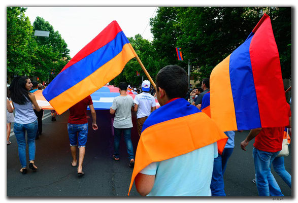 AM017.Yerevan.Feiertagskundgebung