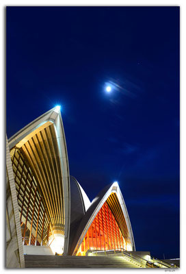 AU1563.Sydney.Opera House + Moon