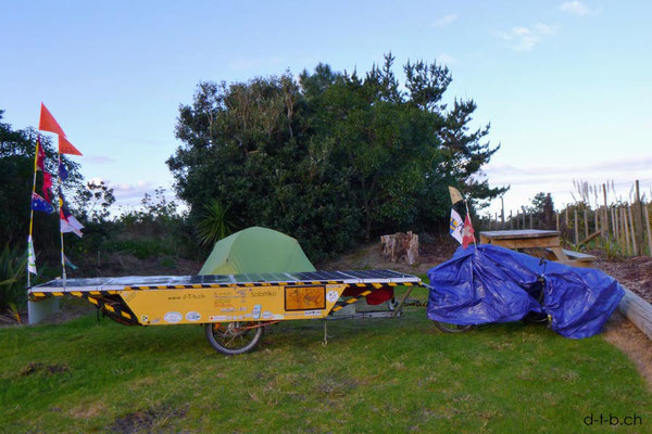 NZ: Solatrike auf Uretiti Beach Campground
